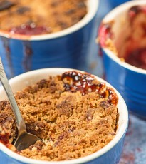 Plum, Cinnamon and Red Wine Crumble