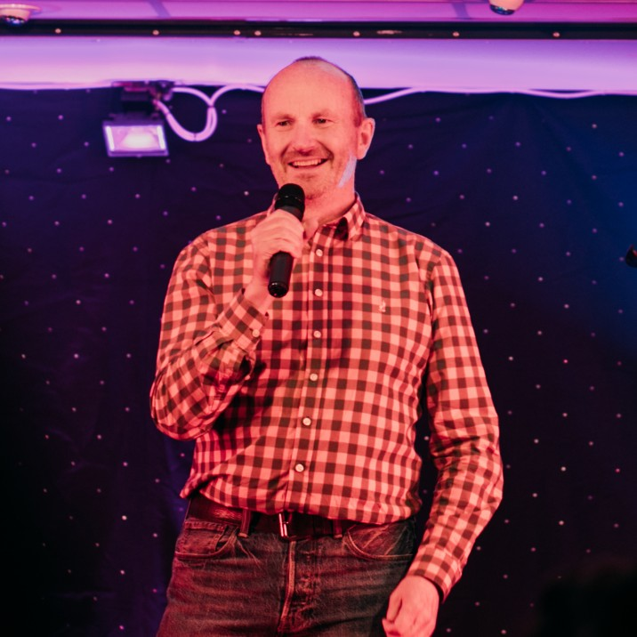 Fred MacAulay getting the crowd laughing!