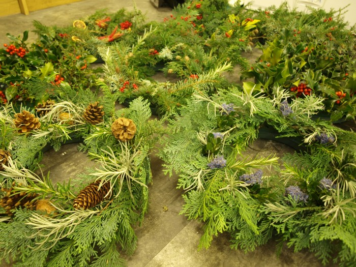 Xmas Feature 2017 - Scone Palace wreath on floor