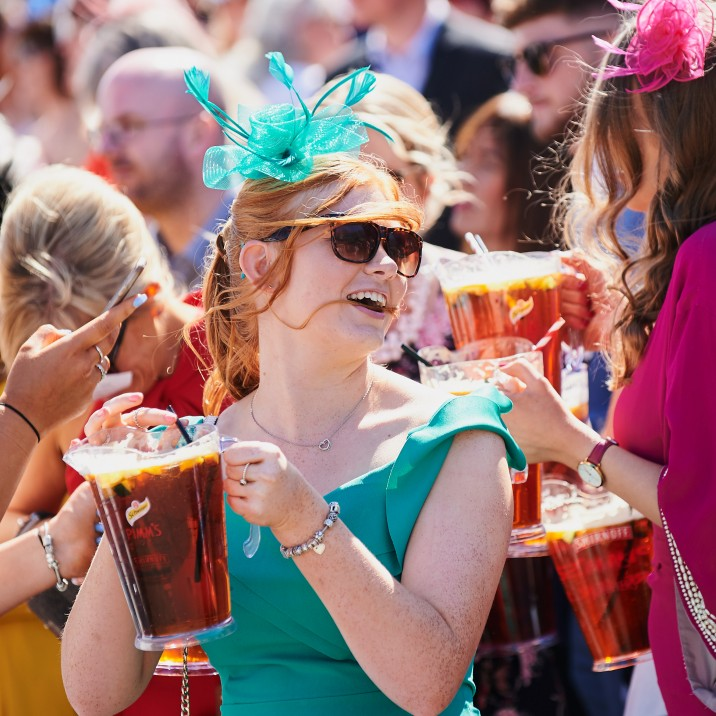 Its not a day at the races with a jug of Pimms, cheers!